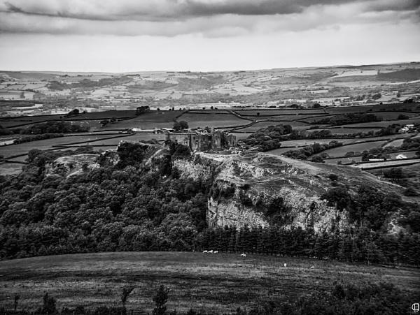 Carreg Cennen Castle , Carmarthenshire , Wales by JevonCarey