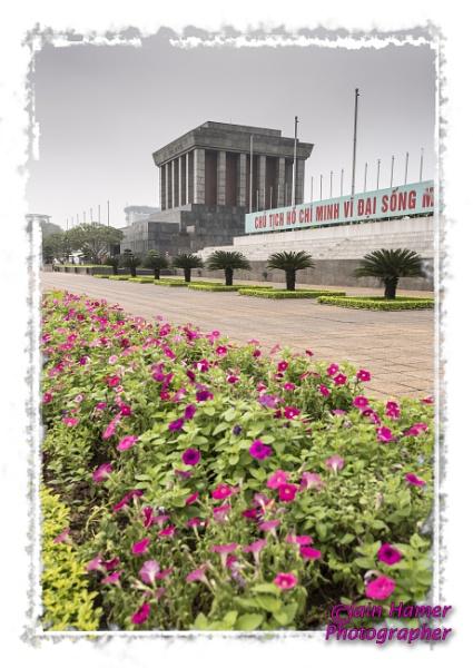 Ho Chi Minh\'s mausoleum by IainHamer