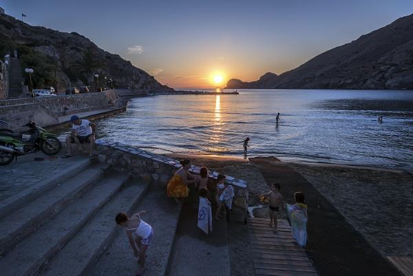 Sundown at Galissas Bay, Syros. by steebi