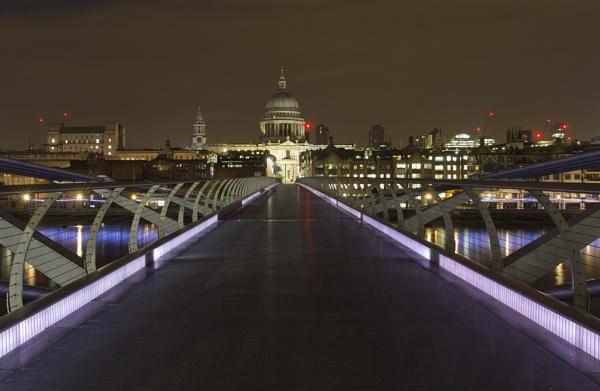 Millenium Bridge by kgb