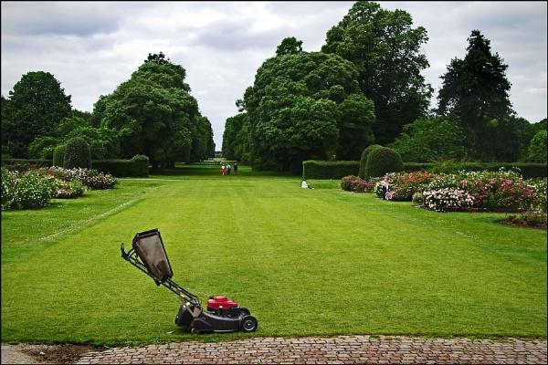 Kew Gardens by fishric