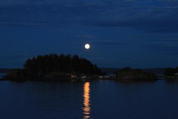 Strawberry moon Hammond Bay by Bear46404