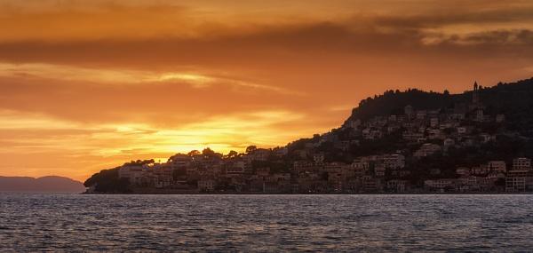 Igrane Sunset by BydoR9