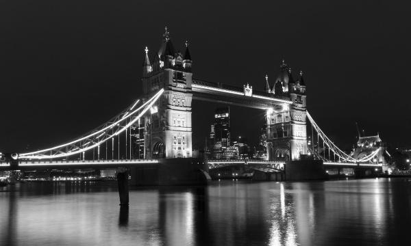 Tower Bridge by kgb
