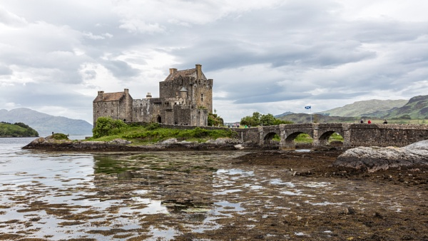 Eilean Donan Castle by pdunstan_Greymoon