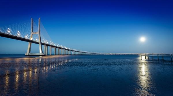 Lisbon Bridge by nickmoulds