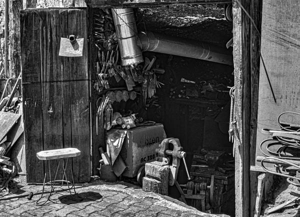 A Blacksmith\'s Shop by nonur