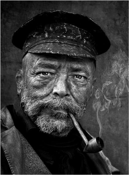 Smokey Joe by thelooneybishop