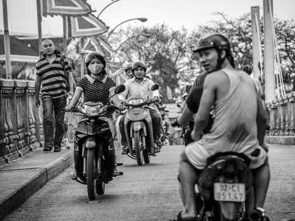 Hello Moto by danielizod