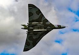 Avro Vulcan bomb doors open