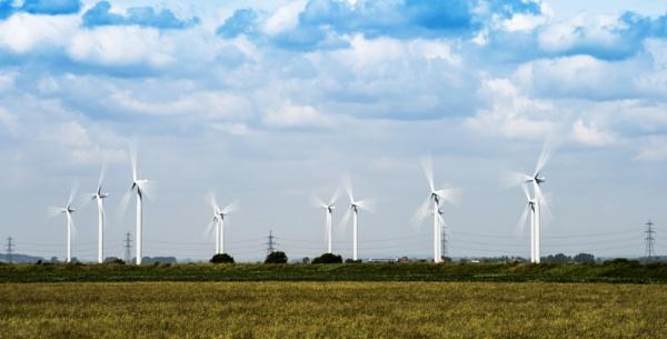 Romney Marsh Wind Farm by doverpic