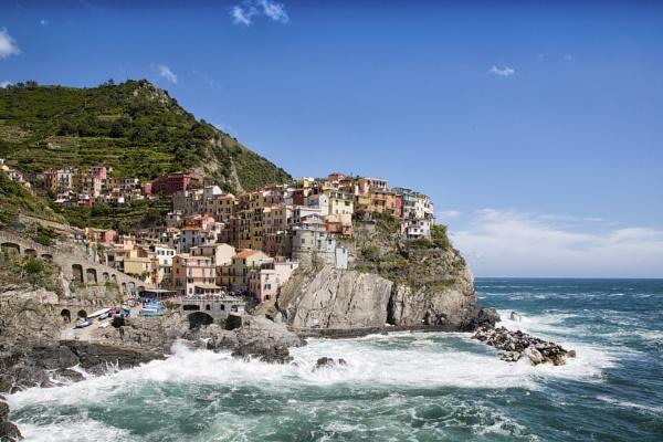 Manarola, La Spezia, Italy by Owdman