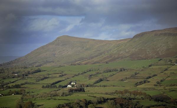 Benbradagh mountain by RayBrady