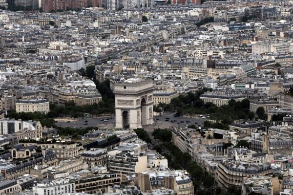 Arc de Triomphe by sevenmalt