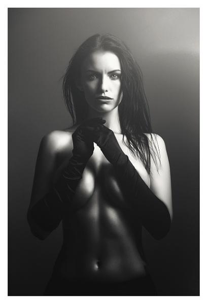 Laura by K4RL