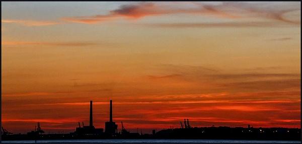 Sunset on the Seine by fentiger