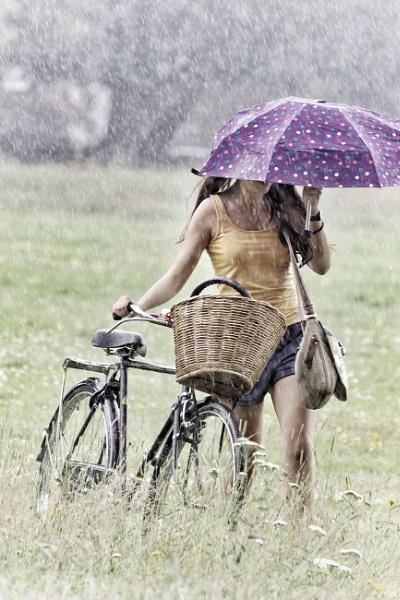 Rainy sunny day by tpfkapm
