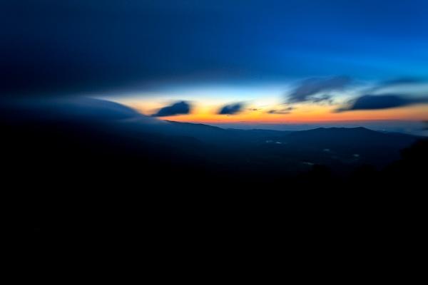 Pre Dawn by gregl