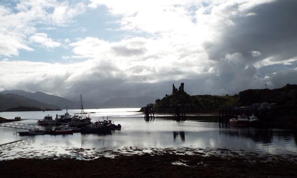 Kyleakin gateway to the Isle of Skye by daveupton