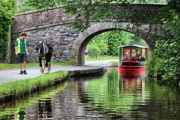 Llangollen canal by DanfromScotland