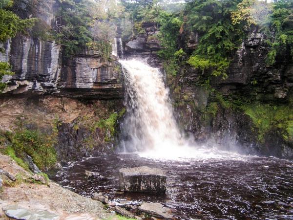 ingleton falls by arnieg