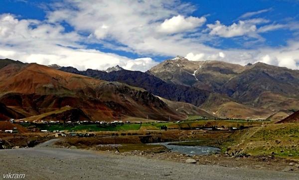 Near Kargil by Bantu