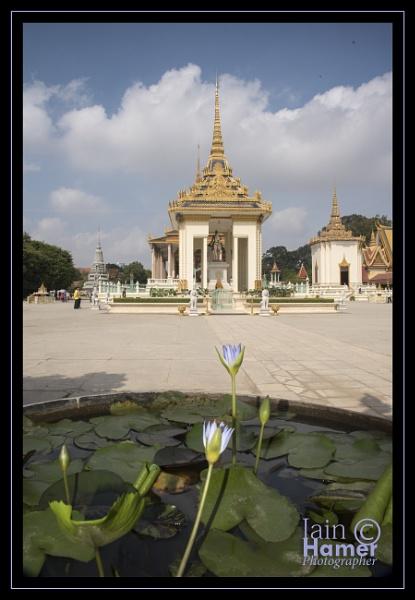 Silver Pagoda by IainHamer