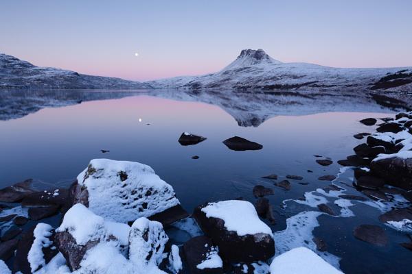 Loch Lurgainn by PaulHolloway