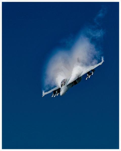 Boeing F/A-18E Super Hornet by malleader