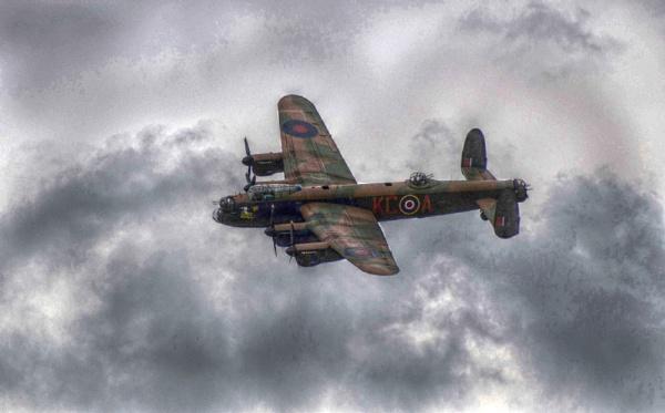 Lancaster Bomber 2 by den12386