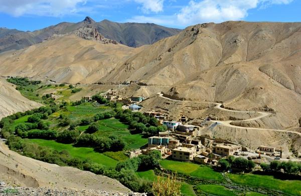 A leh Village by Bantu