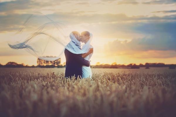Lovers Breeze by jessicaelisze