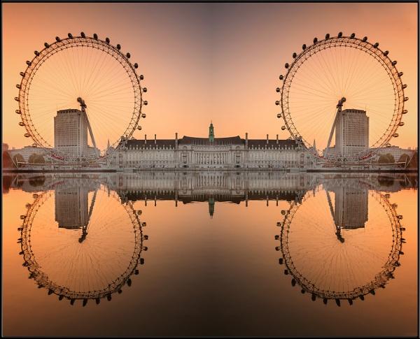 Eyes on the Thames by Nodulespix