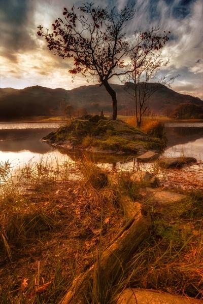 Edge of Autumn by chris-p