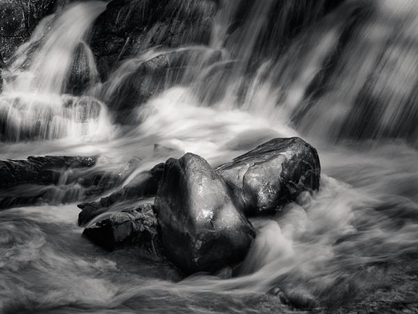 Summer Falls by mlseawell
