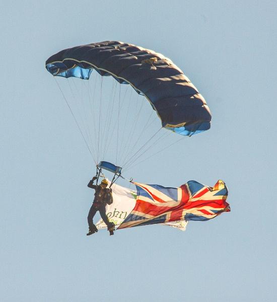 parachute by arnieg