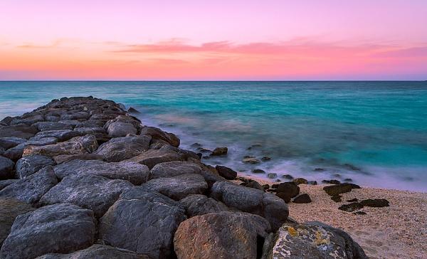 Pinkish sunsut by TareqPhoto