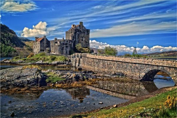 Eilean Donan Castle by dven