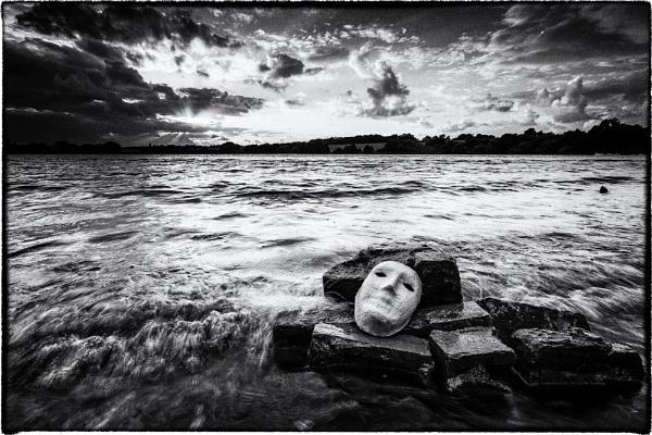 Sinking Fast by sherlob