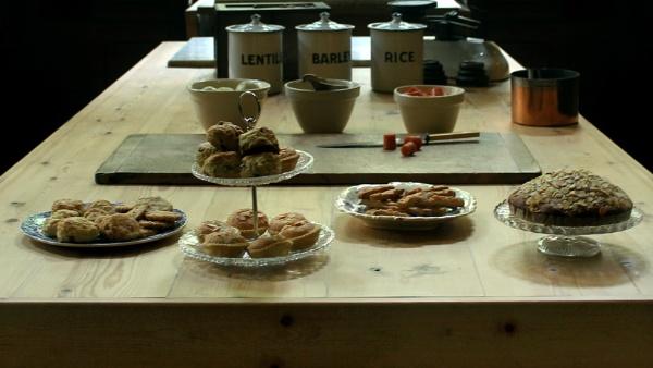 Baking Day at Cragside by helenlinda