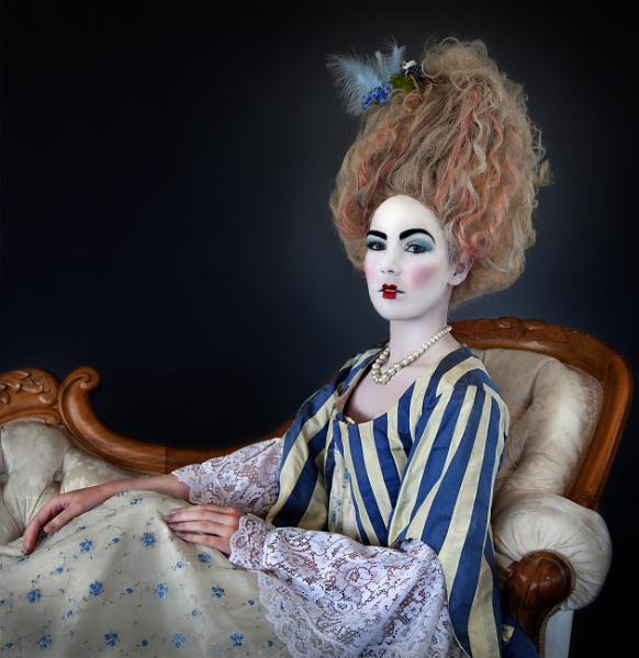 Marie Antoinette by harryw
