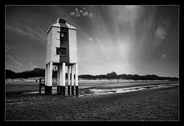 Burnham lighthouse by deavilin