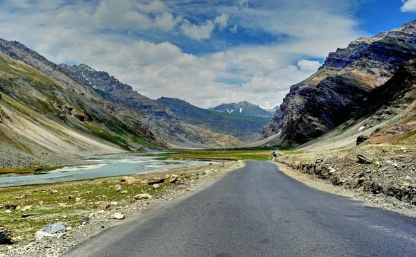 Leh Highway scene near a river by Bantu