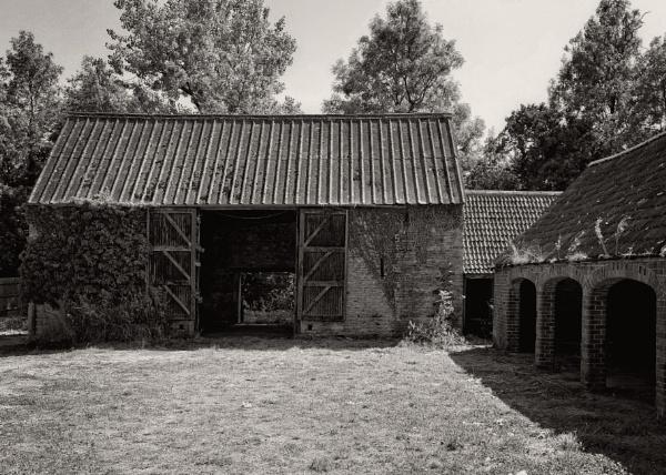The old farmyard. by uktruckie