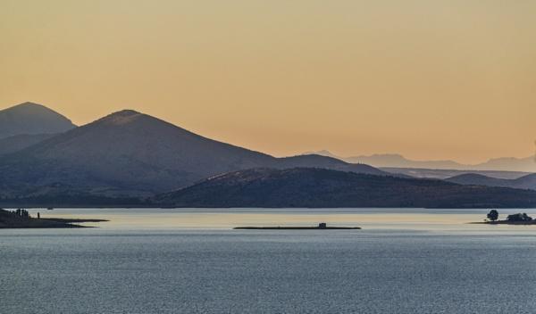 Towards the North-western end of Lake Beysehir by nonur