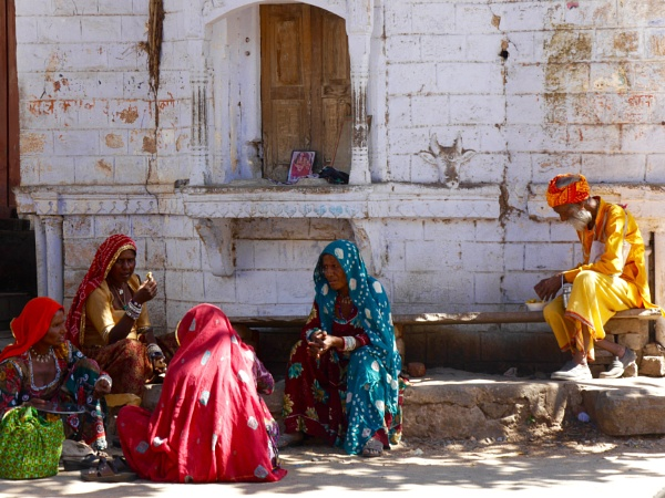 Pushkar street scene ... by chrisdunham