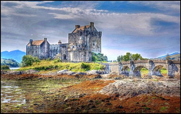 Eilean Donan Castle, Scotland by fentiger
