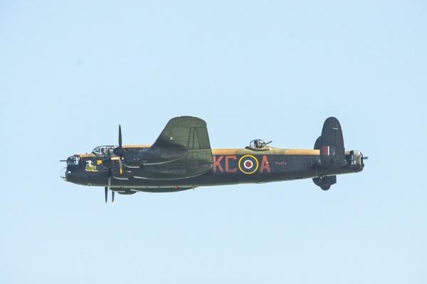 lancaster bomber by arnieg