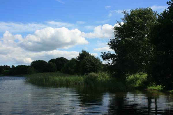 Pickmere Lake by IreneClarke