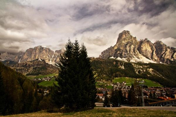 Dolomite Sky by rambler